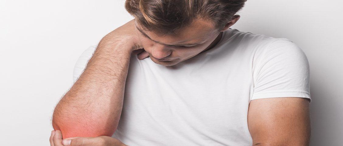A psoríase é uma doença de pele autoimune não contagiosa, caracterizada por lesões avermelhadas e descamáveis. Saiba mais sobre a doença, no artigo de hoje.