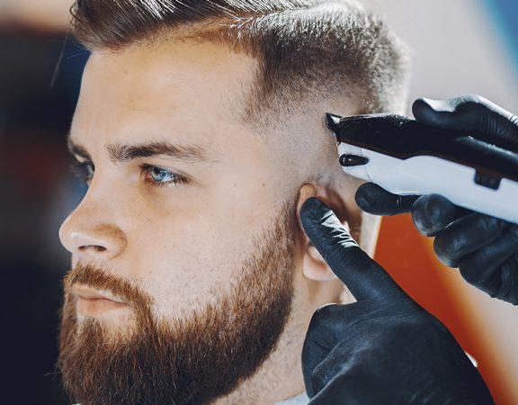 Os cabelos dos homens também necessitam de cuidados. No artigo de hoje, veja alguns cuidados fundamentais para a saúde dos fios masculinos.